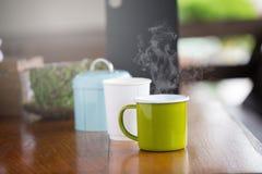 Taza de café con el foco selectivo del arte hermoso del Latte Foto de archivo libre de regalías