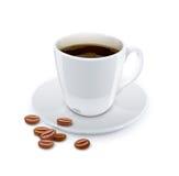Taza de café con el grano. Imágenes de archivo libres de regalías