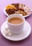 Taza de café con leche Fotos de archivo libres de regalías