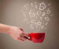 Taza de café con los accesorios dibujados mano de la cocina Imagen de archivo