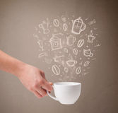 Taza de café con los accesorios dibujados mano de la cocina Fotografía de archivo libre de regalías