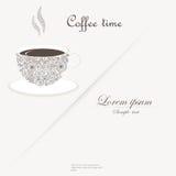 Taza de café con los elementos rizados del diseño Fotografía de archivo