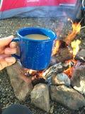 Taza de café de la hoguera Foto de archivo
