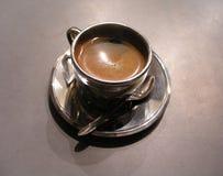 Taza de café de plata Imágenes de archivo libres de regalías