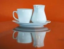 Taza de café en cafetería Foto de archivo libre de regalías