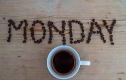Taza de café en fondo de madera Fotografía de archivo libre de regalías