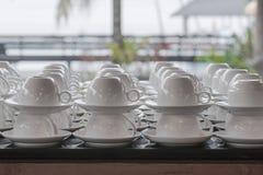 Taza de café en la comida fría del desayuno Fotografía de archivo libre de regalías