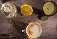 Taza de café fondo romántico Foto de archivo libre de regalías