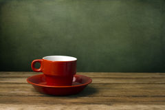 Taza de café roja Imagenes de archivo