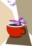 Taza de café y de mariposas Fotografía de archivo libre de regalías