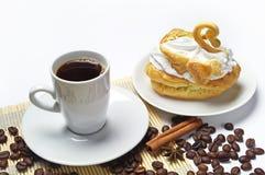Taza de café y de torta Foto de archivo libre de regalías