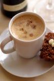 Taza de café y de tortas Fotografía de archivo libre de regalías