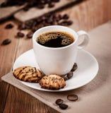 Taza de café y de galletas Foto de archivo libre de regalías