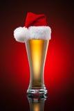 Taza de cerveza de la Navidad Fotografía de archivo libre de regalías