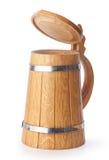 Taza de cerveza de madera foto de archivo libre de regalías