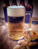 Taza de cerveza, Oktoberfest Imágenes de archivo libres de regalías