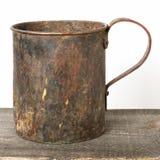 Taza de cobre vieja Fotografía de archivo libre de regalías