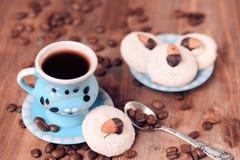 Taza de cofee con las galletas Fotos de archivo