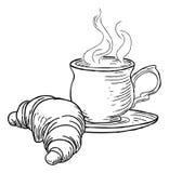 Taza de estilo retro del vintage del té y del cruasán Fotografía de archivo