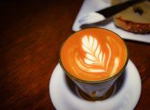 Taza de Latte del café imagen de archivo