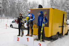 Taza de mundo 2010 en el esquí Orienteering. Podium del 1r Foto de archivo