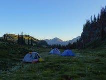 Taza de plata Ridge Meadow Camp Imagen de archivo libre de regalías