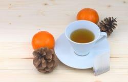 Taza de té blanca Imágenes de archivo libres de regalías