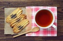 Taza de té con las galletas Imagen de archivo libre de regalías