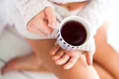 taza de té en galletas, café Imágenes de archivo libres de regalías