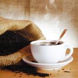 Taza de té negro Fotos de archivo libres de regalías