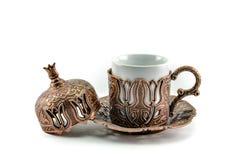 Taza de té turca antigua con el fondo blanco Fotos de archivo