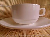 Taza de té blanca de la porcelana Fotografía de archivo