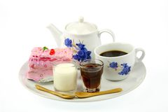 Taza de torta del café y de la fresa Fotos de archivo libres de regalías