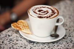 Taza del Cappuccino Foto de archivo libre de regalías