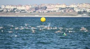 Taza europea 2017 del Triathlon de Estambul Beylikduzu ETU Imagen de archivo