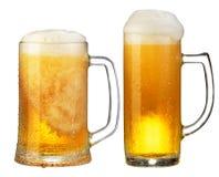Taza fría de cerveza Fotos de archivo libres de regalías