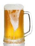 Taza fría de cerveza Fotografía de archivo libre de regalías