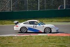 Taza GT3 &#x28 de Porsche 911; Mecanografíe 996) en Monza Imagenes de archivo