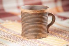 Taza handcrafted tradicional imágenes de archivo libres de regalías