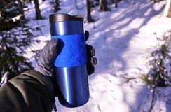 Taza termal de la proyección de imagen para mantener la temperatura caliente o fría Para el almacenamiento de bebidas calientes o fotografía de archivo