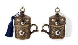 Taza turca del cofee en fondo aislado blanco Imagenes de archivo