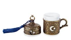 Taza turca del cofee en fondo aislado blanco Fotos de archivo libres de regalías