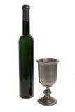 Taza y botella del vino imagenes de archivo