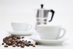 Taza y filtro de café inferiores Imagenes de archivo