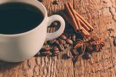 Taza y platillo de café Fotos de archivo libres de regalías