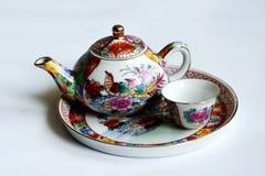 Taza y taza tradicionales Foto de archivo libre de regalías