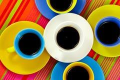 Tazas brillantes del café plano de la endecha Foto de archivo libre de regalías