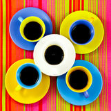 Tazas brillantes del café plano de la endecha Imagen de archivo libre de regalías