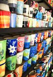 Tazas coloreadas fotografía de archivo libre de regalías