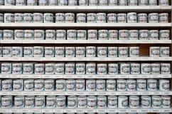 Tazas con nombres Imagen de archivo libre de regalías